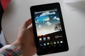Семидюймовый планшет ASUS Fonepad