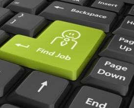 Стоит ли при поиске работы использовать Интернет?